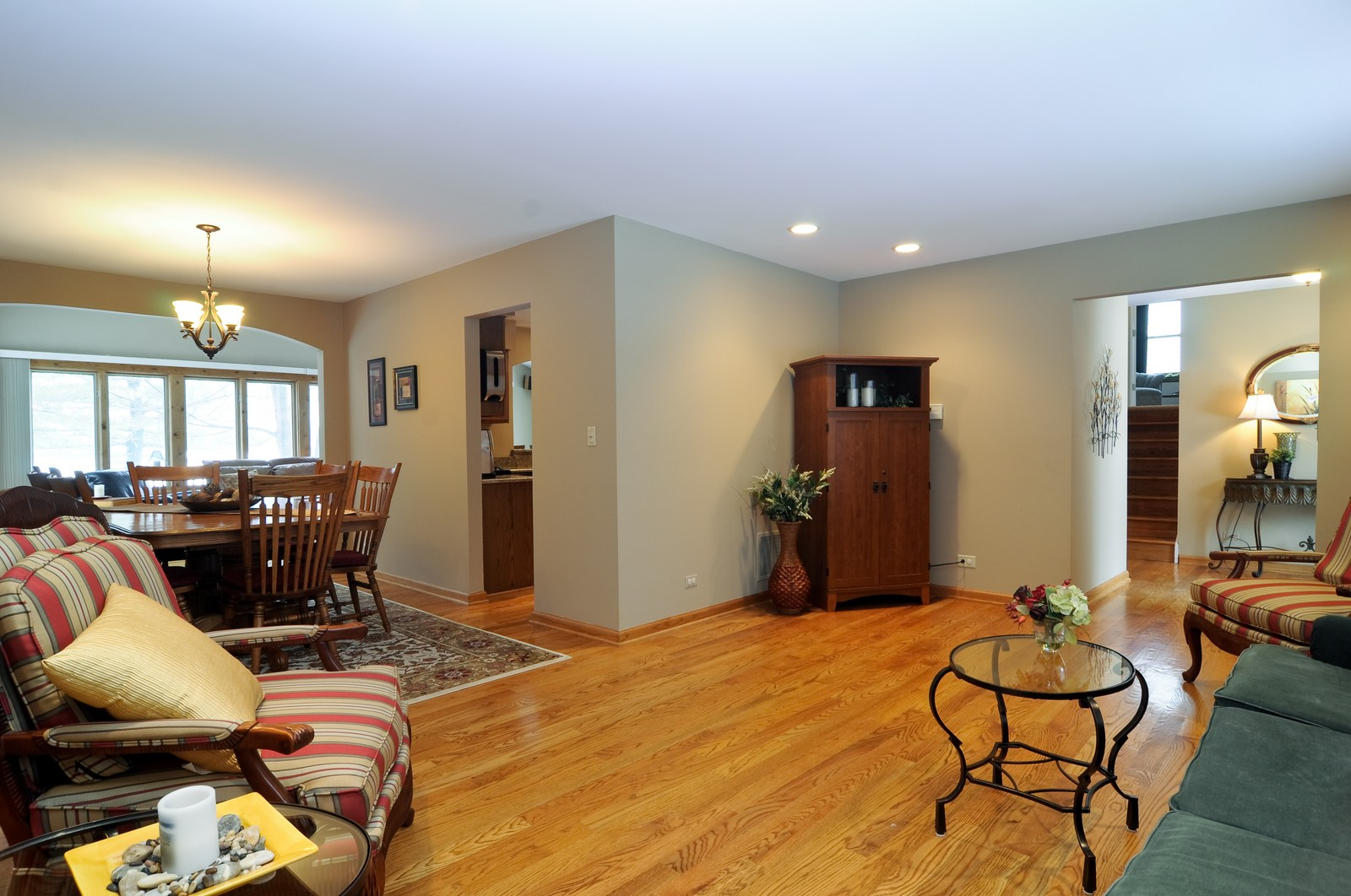 Real Estate Photography - 1416 Oxford Dr, Buffalo Grove, IL, 60089 - Living Room / Dining Room