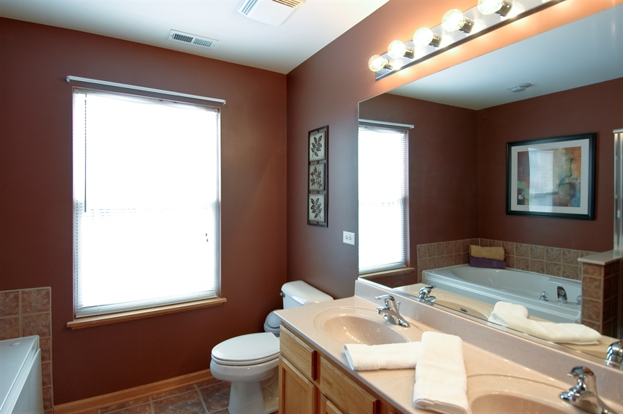 Real Estate Photography - 104 Summit Dr, Gilberts, IL, 60136 - Master Bathroom