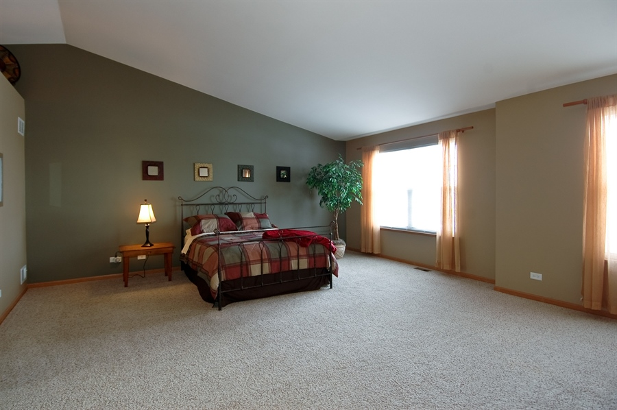 Real Estate Photography - 104 Summit Dr, Gilberts, IL, 60136 - Master Bedroom