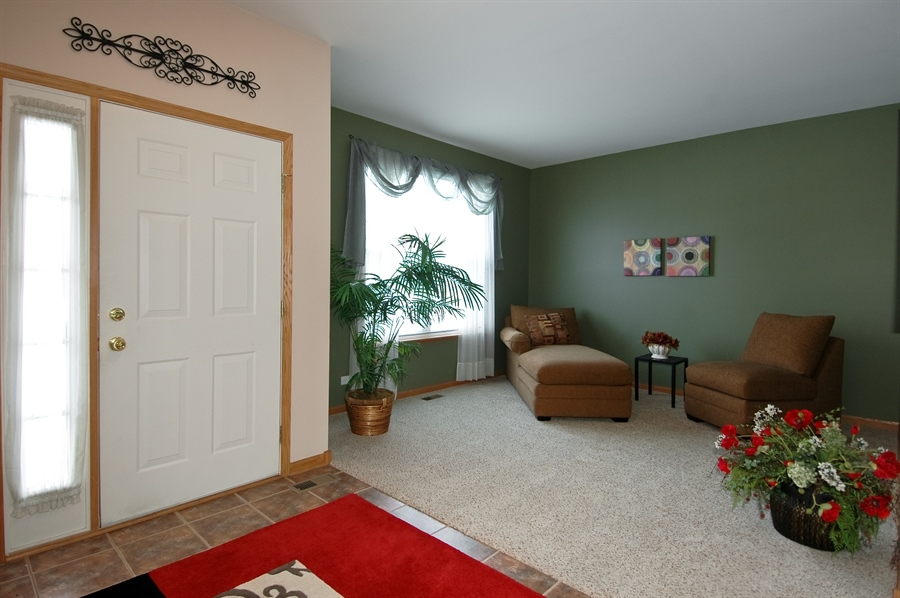 Real Estate Photography - 104 Summit Dr, Gilberts, IL, 60136 - Foyer/Living Room