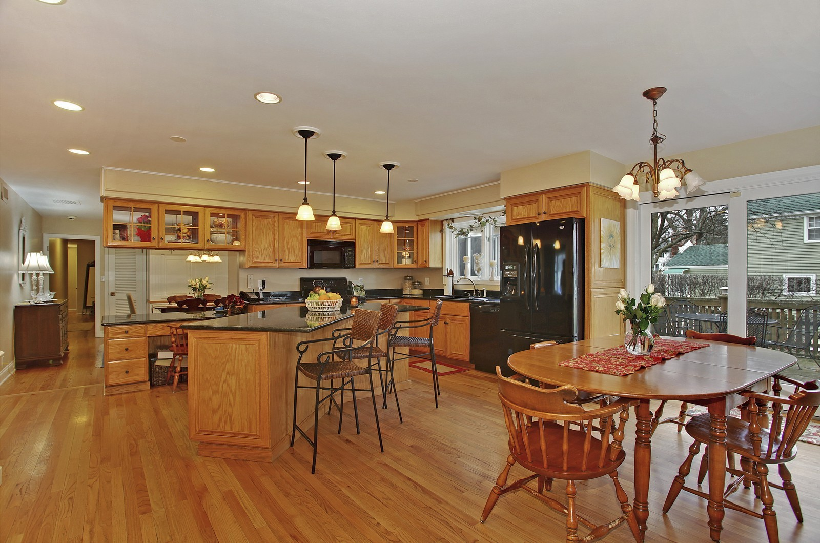 Real Estate Photography - 424 W Harrison, Wheaton, IL, 60187 - Kitchen / Breakfast Room