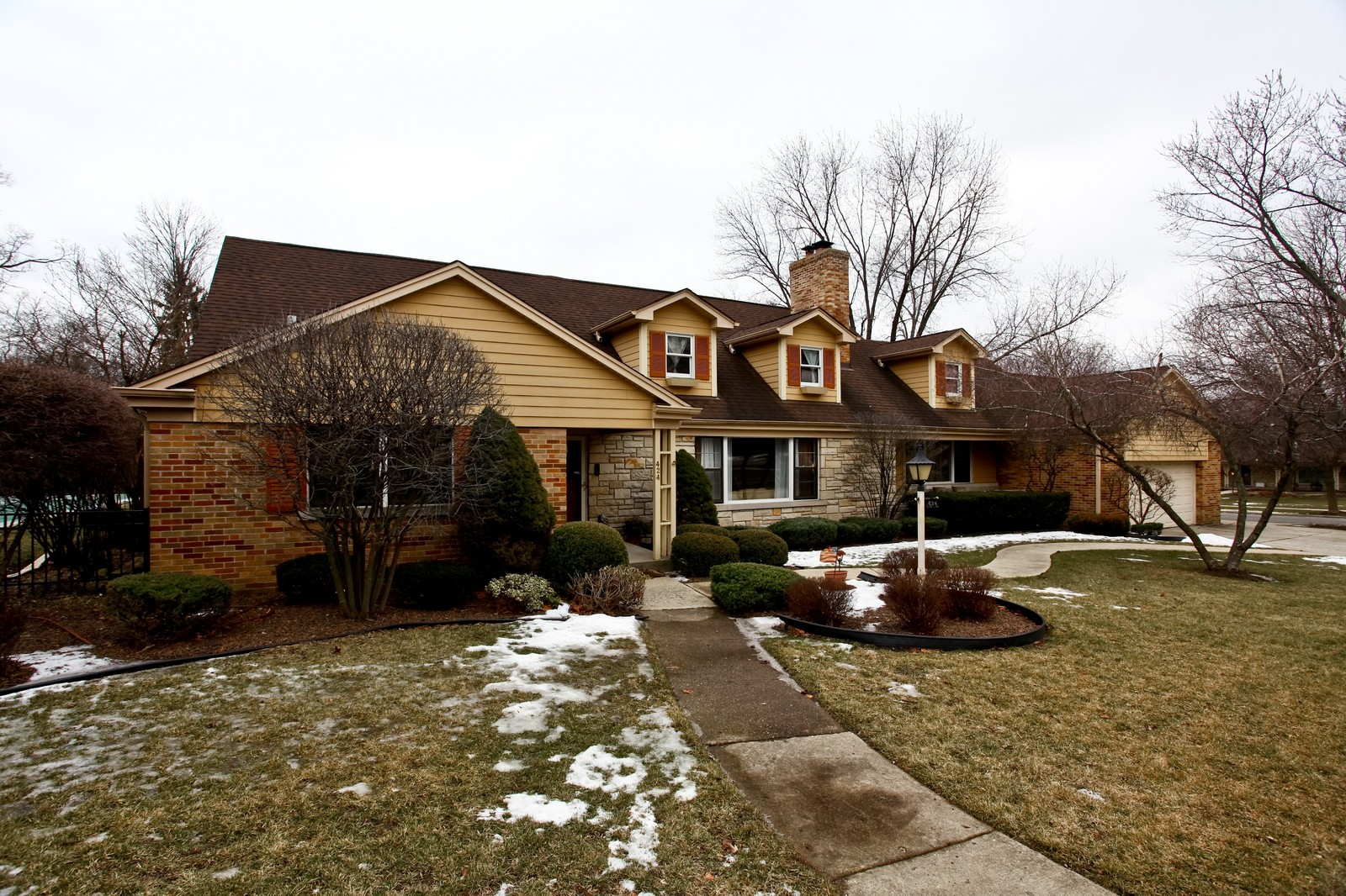 Real Estate Photography - 424 W Harrison, Wheaton, IL, 60187 - Front View