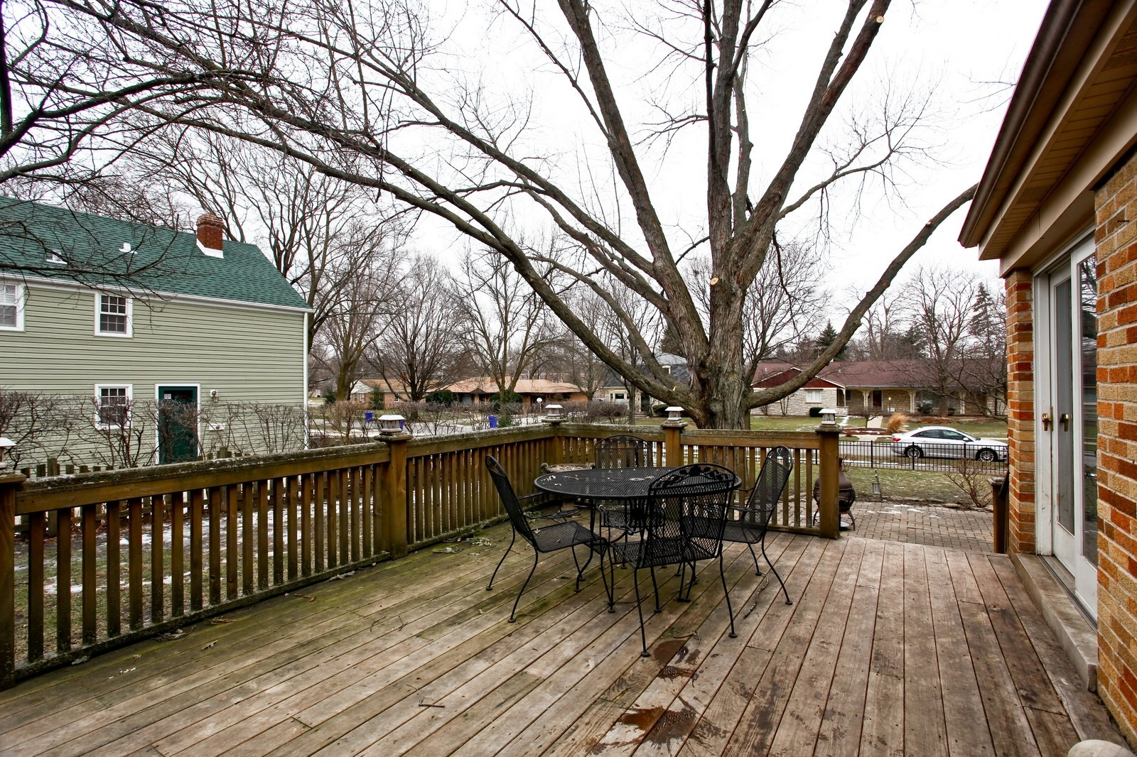 Real Estate Photography - 424 W Harrison, Wheaton, IL, 60187 - Deck