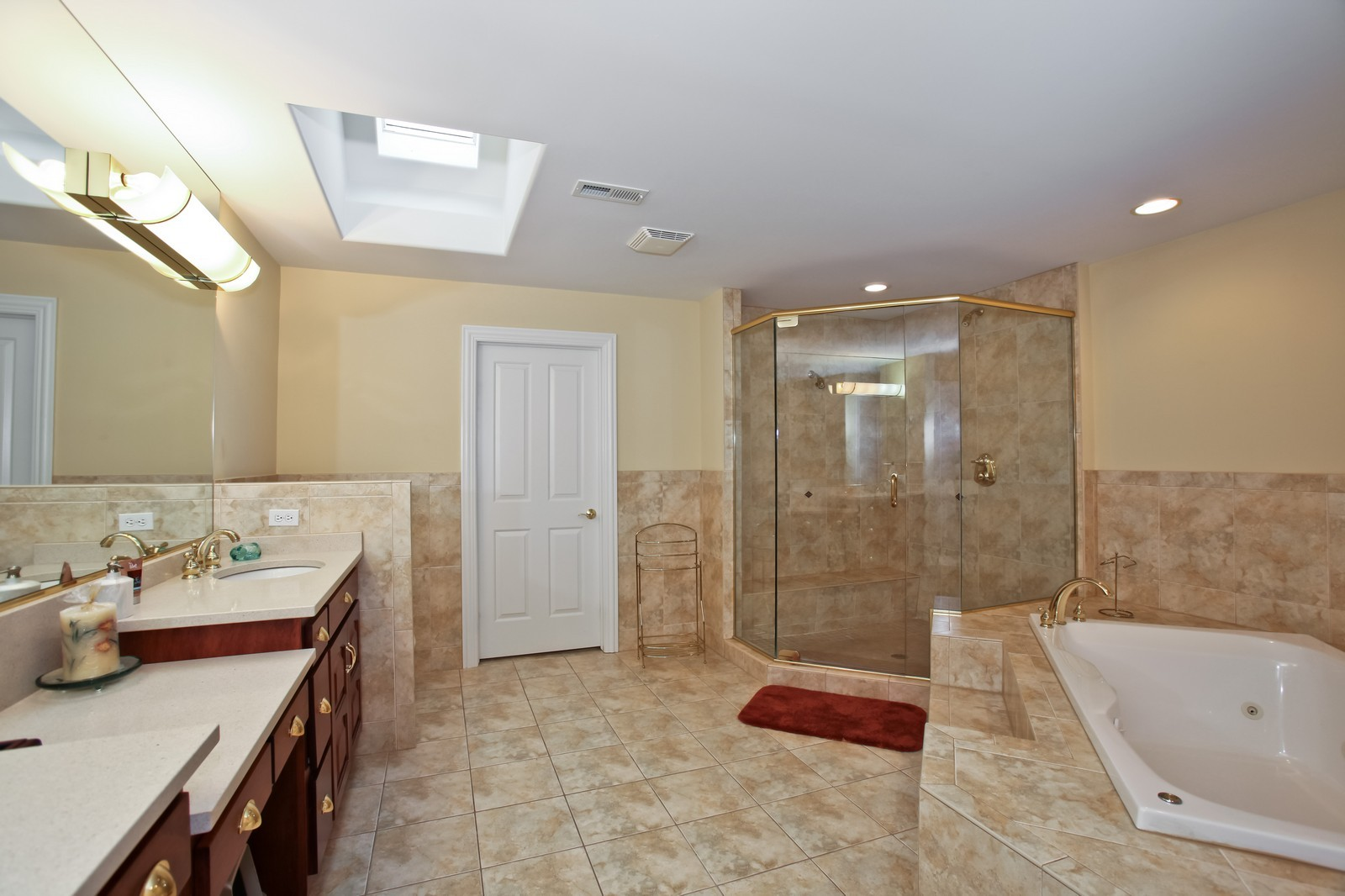Real Estate Photography - 1000 Evergreen Cir, Olympia Fields, IL, 60461 - Master Bathroom