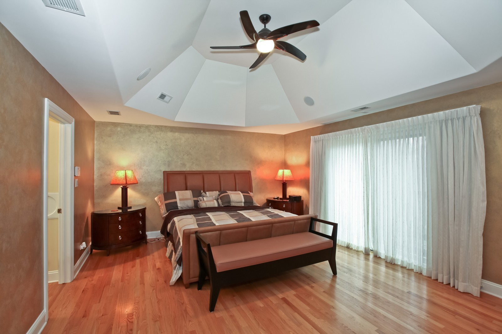 Real Estate Photography - 1000 Evergreen Cir, Olympia Fields, IL, 60461 - Master Bedroom