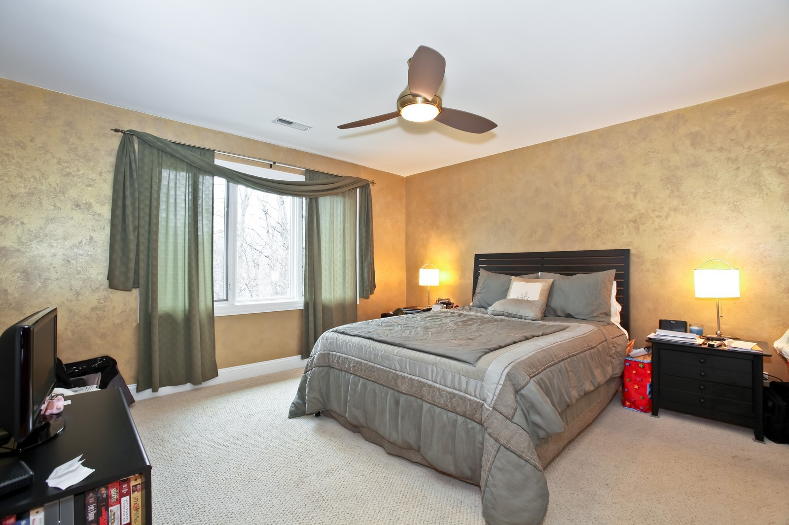 Real Estate Photography - 1000 Evergreen Cir, Olympia Fields, IL, 60461 - 2nd Bedroom