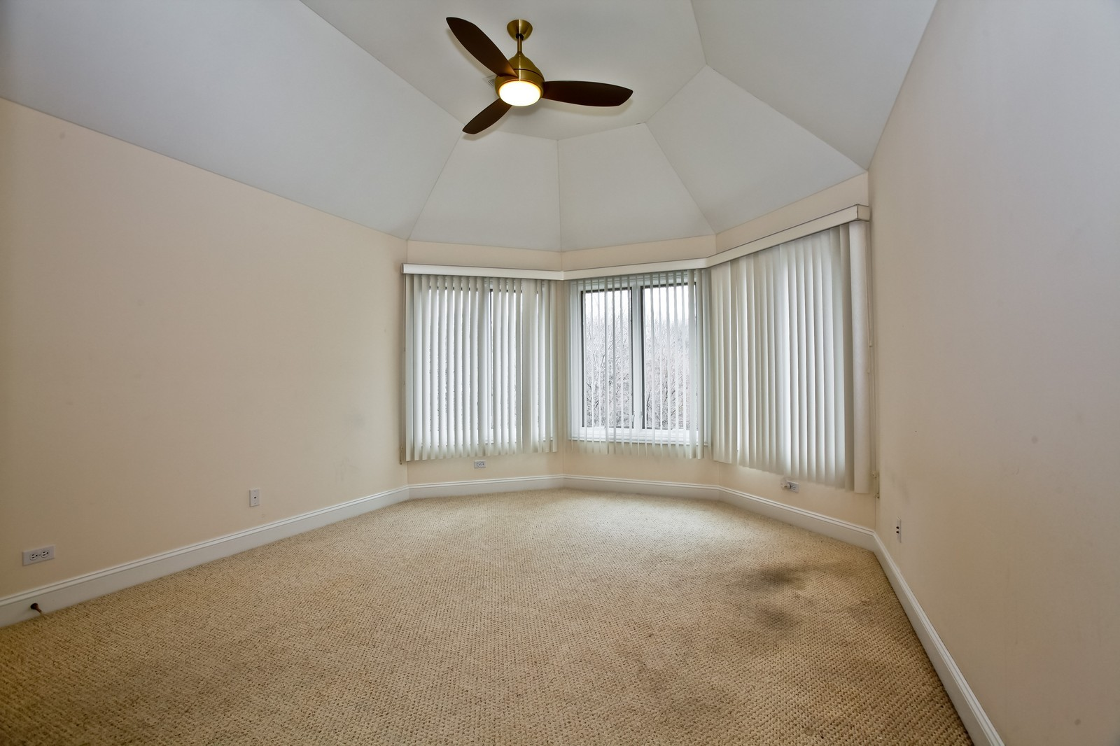 Real Estate Photography - 1000 Evergreen Cir, Olympia Fields, IL, 60461 - 3rd Bedroom