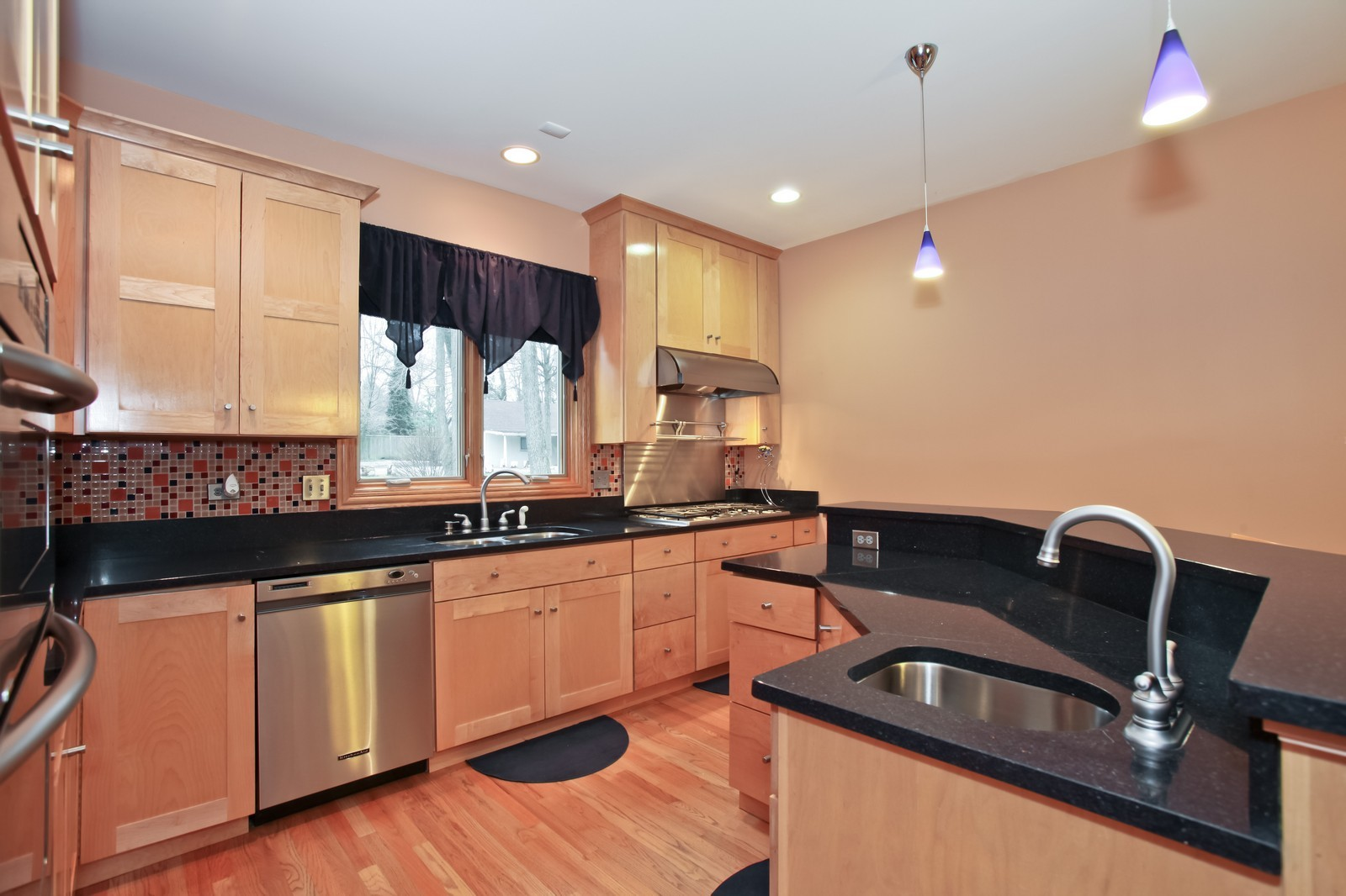 Real Estate Photography - 1000 Evergreen Cir, Olympia Fields, IL, 60461 - Kitchen