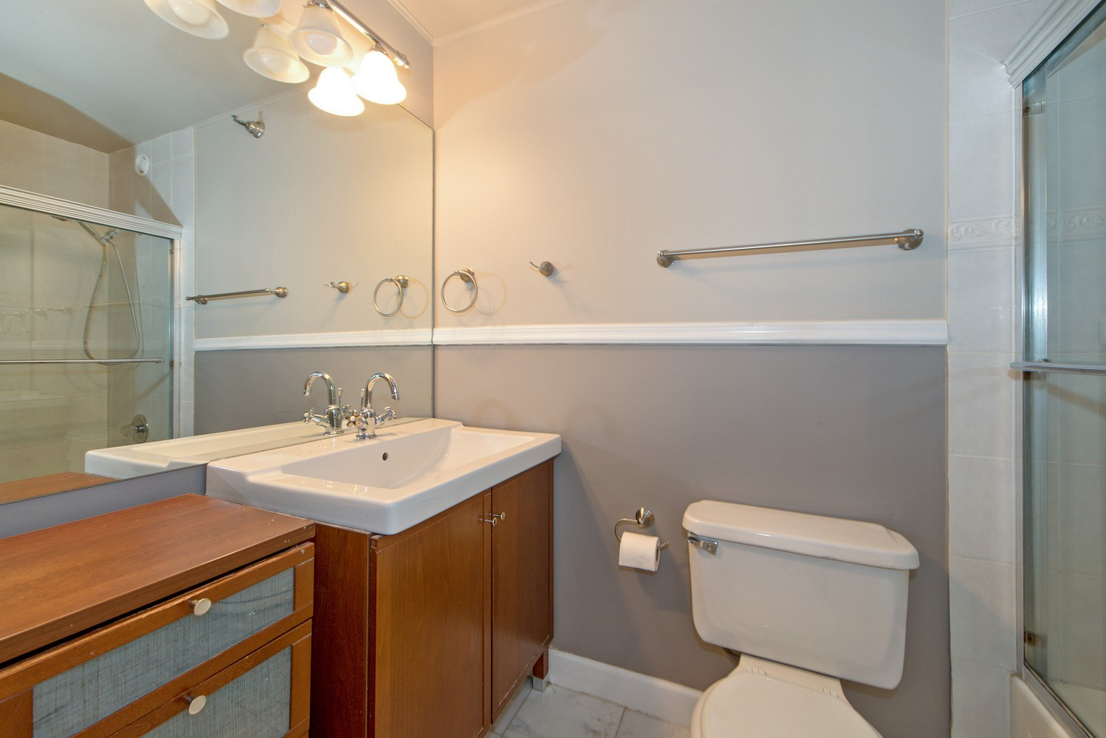 Real Estate Photography - 70 W Huron St, 807, Chicago, IL, 60654 - Bathroom
