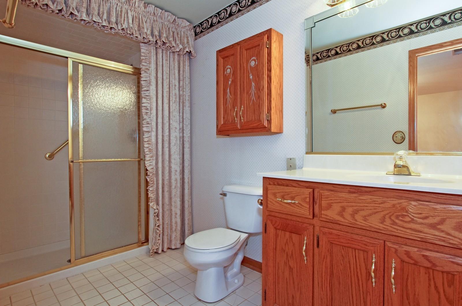 Real Estate Photography - 17 St. Moritz Dr., Unit 201, Palos Park, IL, 60464 - Master Bathroom