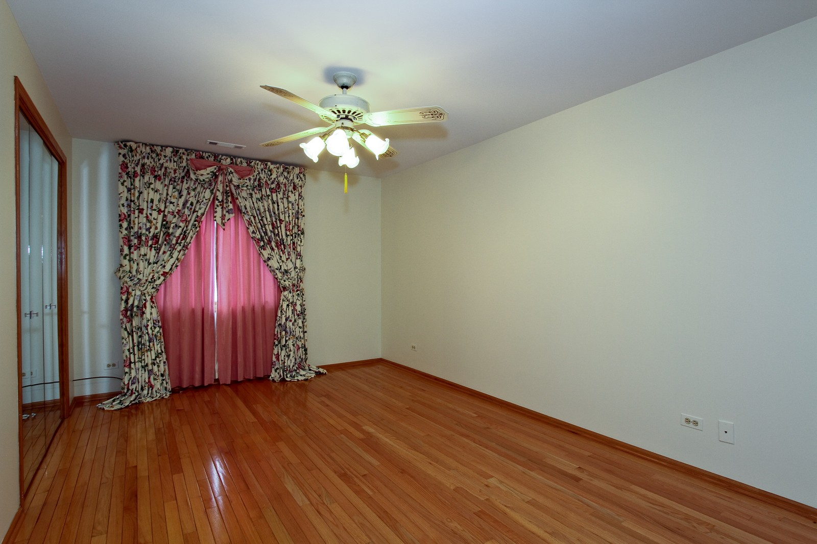 Real Estate Photography - 17 St. Moritz Dr., Unit 201, Palos Park, IL, 60464 - 2nd Bedroom