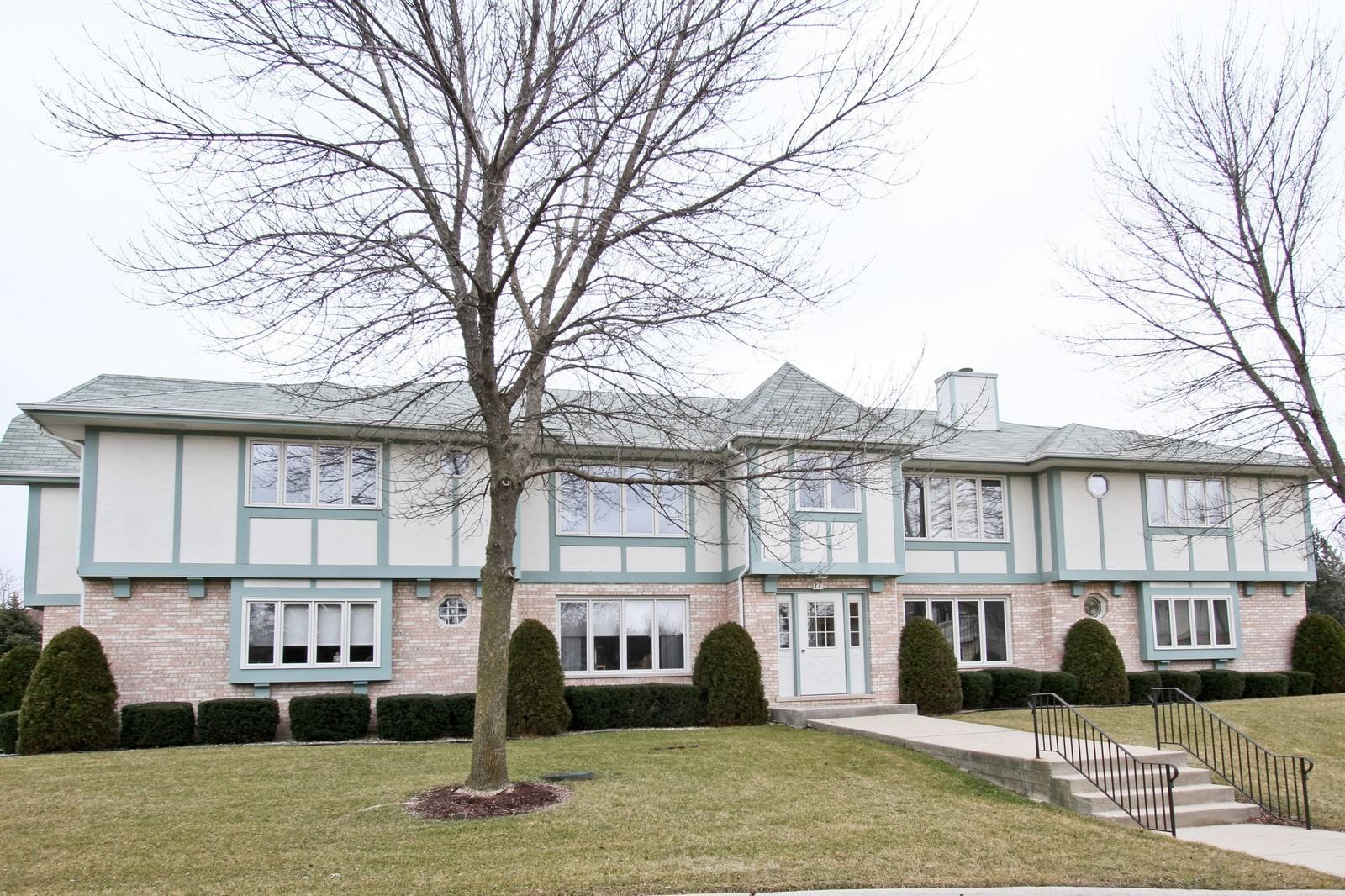 Real Estate Photography - 17 St. Moritz Dr., Unit 201, Palos Park, IL, 60464 - Front View