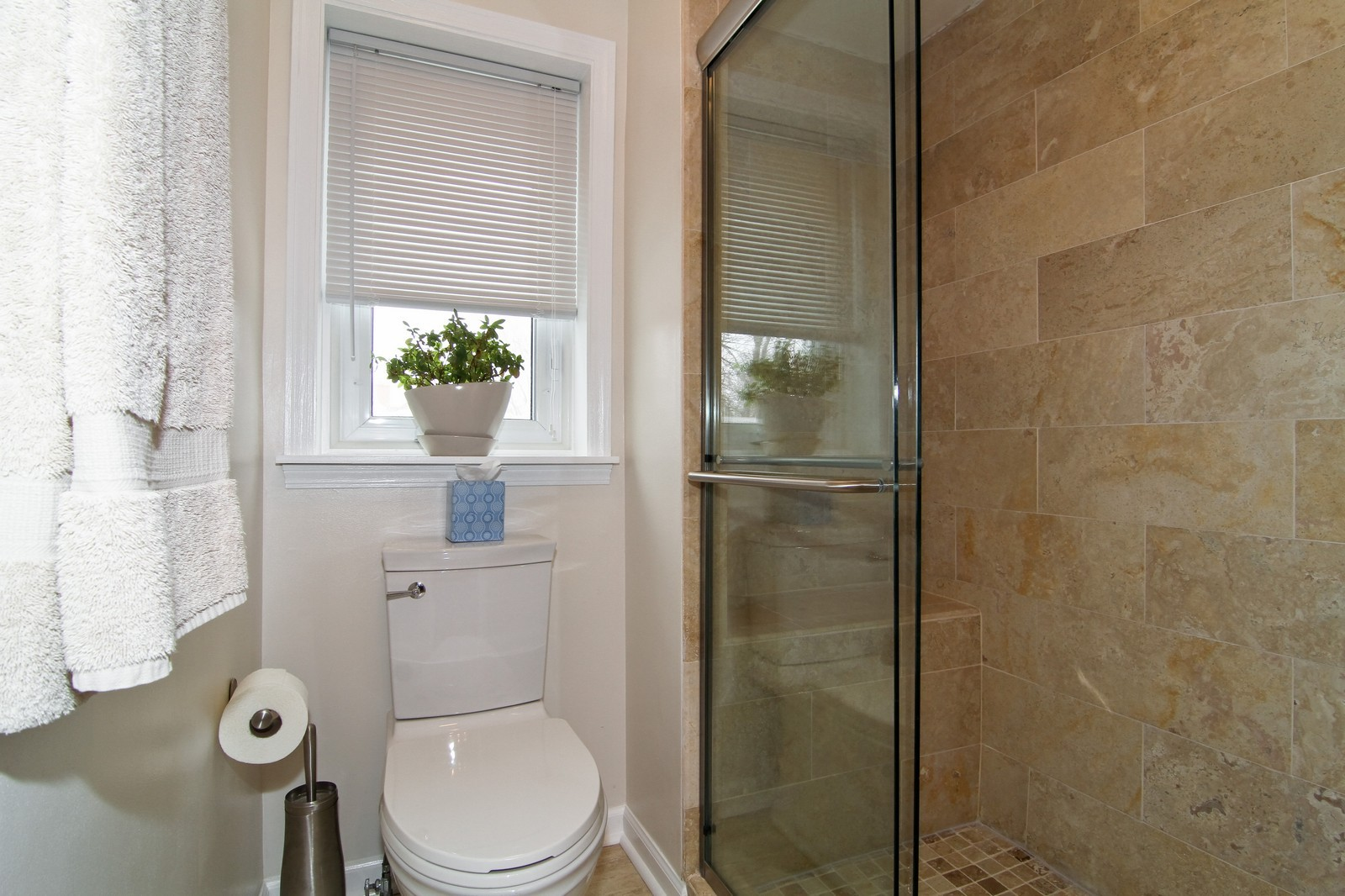 Real Estate Photography - 918 Rogers, 203, Downers Grove, IL, 60515 - Master Bathroom