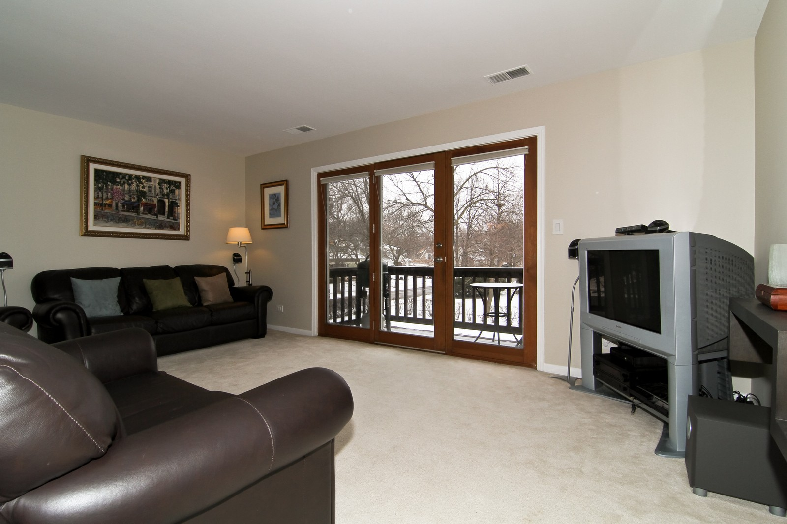 Real Estate Photography - 918 Rogers, 203, Downers Grove, IL, 60515 - Family Room