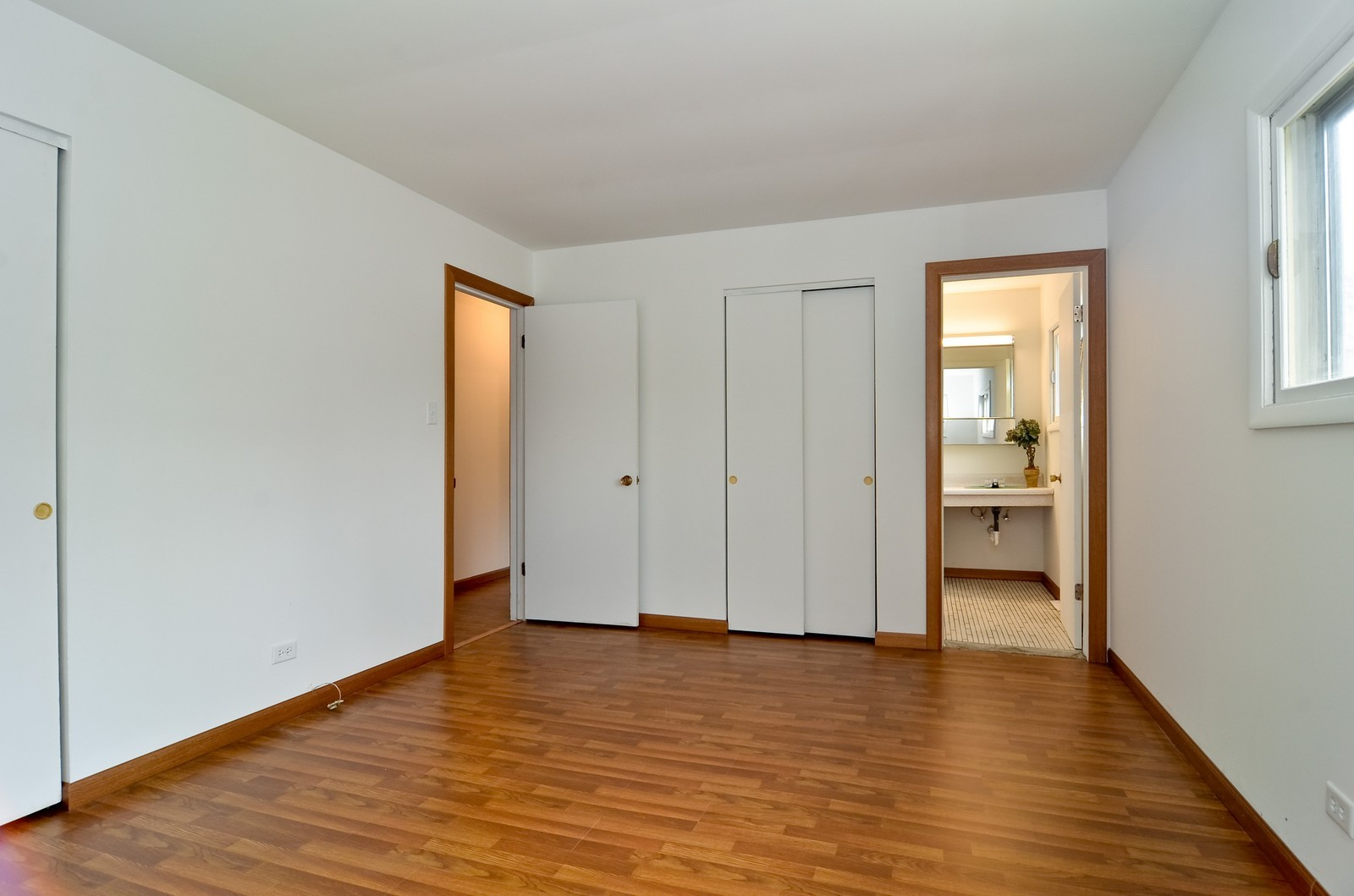 Real Estate Photography - 223 Norman Ct, Des Plaines, IL, 60016 - Master Bedroom