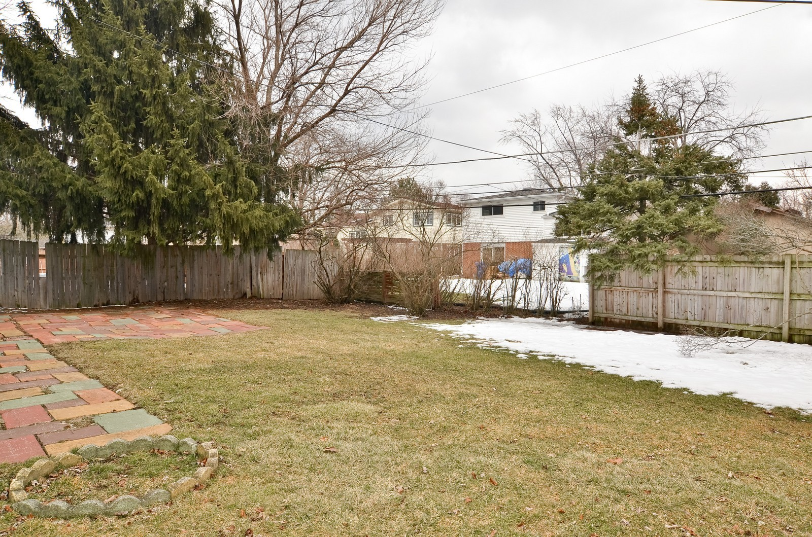 Real Estate Photography - 223 Norman Ct, Des Plaines, IL, 60016 - Back Yard