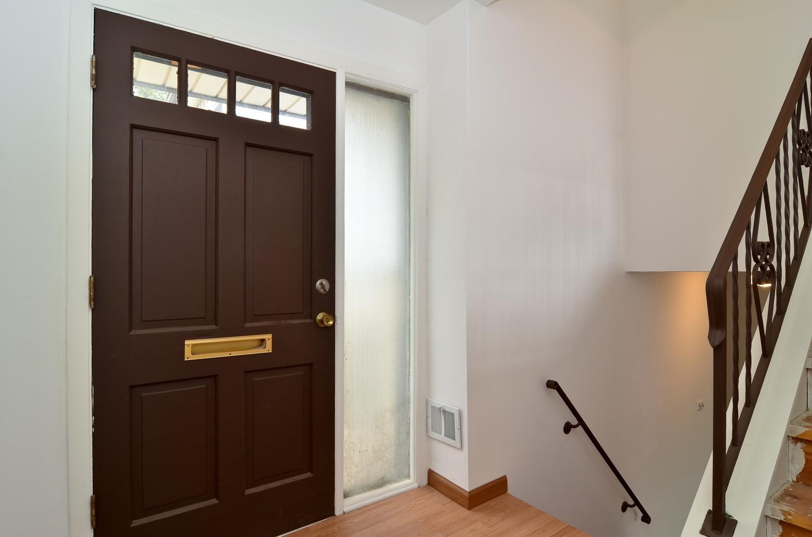 Real Estate Photography - 223 Norman Ct, Des Plaines, IL, 60016 - Foyer