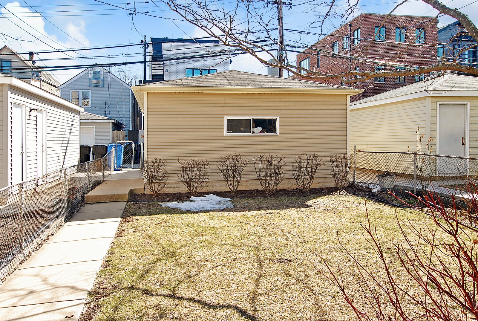Real Estate Photography - 1519 W Oakdale, Chicago, IL, 60657 - Back Yard