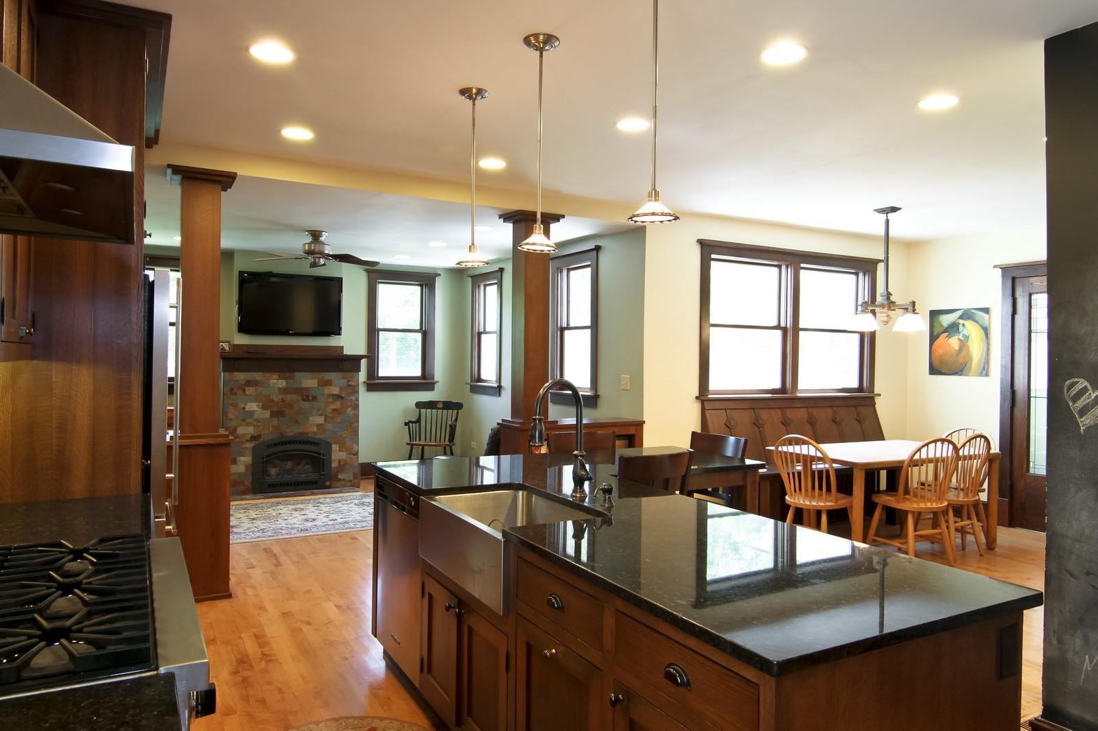 Real Estate Photography - 239 6th Avenue, La Grange, IL, 60525 - Kitchen / Breakfast Room