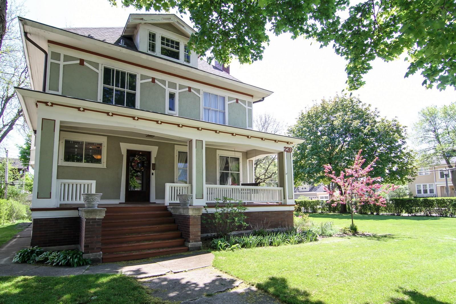 Real Estate Photography - 239 6th Avenue, La Grange, IL, 60525 - Front View