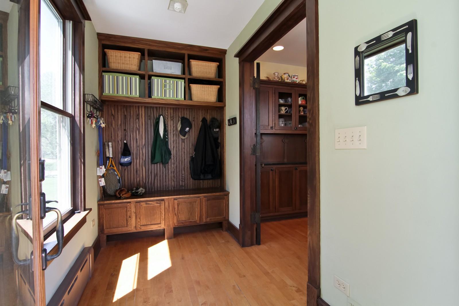 Real Estate Photography - 239 6th Avenue, La Grange, IL, 60525 - Hallway