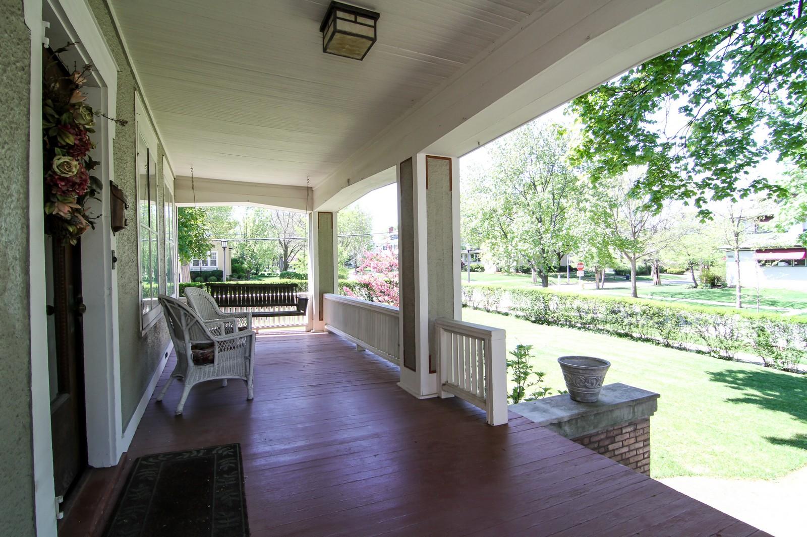 Real Estate Photography - 239 6th Avenue, La Grange, IL, 60525 - Porch