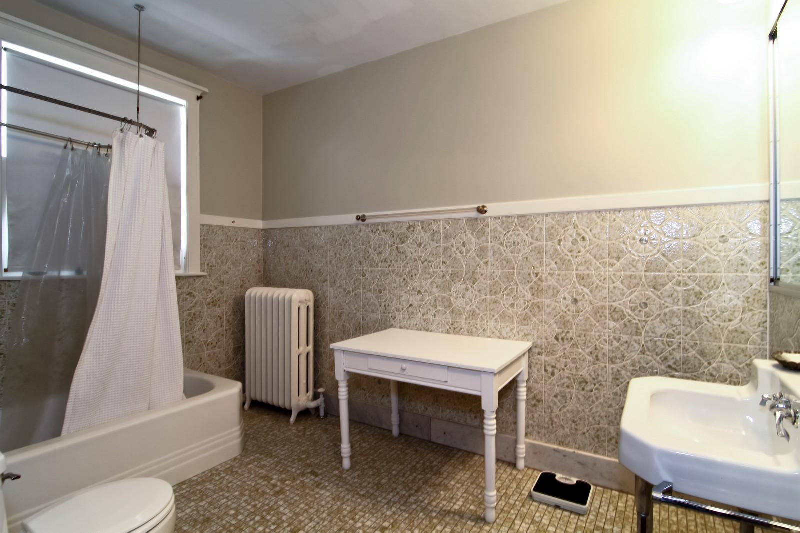Real Estate Photography - 239 6th Avenue, La Grange, IL, 60525 - Bathroom