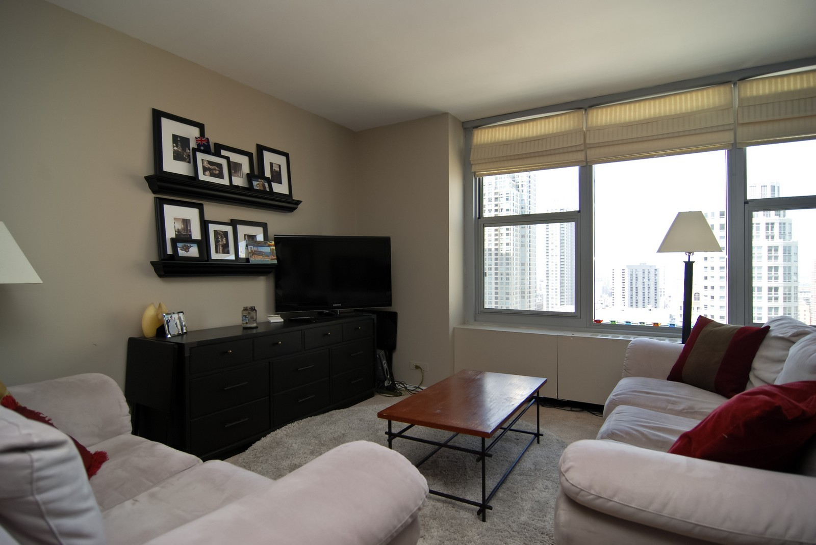 Real Estate Photography - 777 N Michigan Ave, Unit 3107, Chicago, IL, 60611 - Living Room