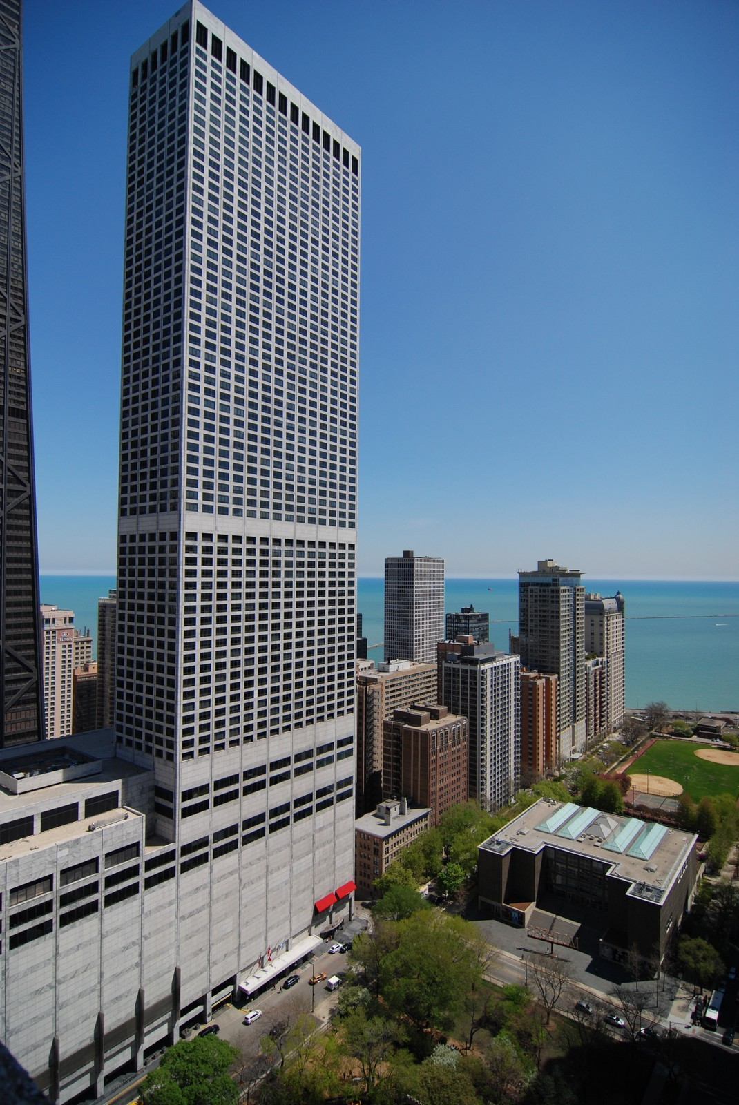 Real Estate Photography - 777 N Michigan Ave, Unit 3107, Chicago, IL, 60611 - Park view from pool deck