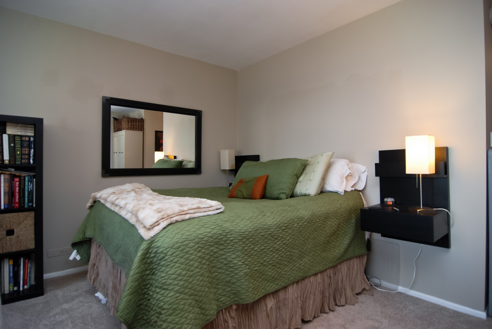 Real Estate Photography - 777 N Michigan Ave, Unit 3107, Chicago, IL, 60611 - Bedroom area