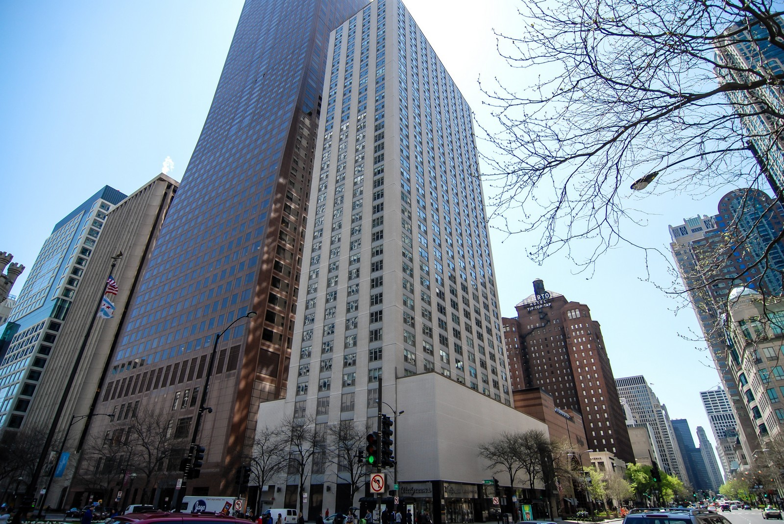 Real Estate Photography - 777 N Michigan Ave, Unit 3107, Chicago, IL, 60611 - Front View