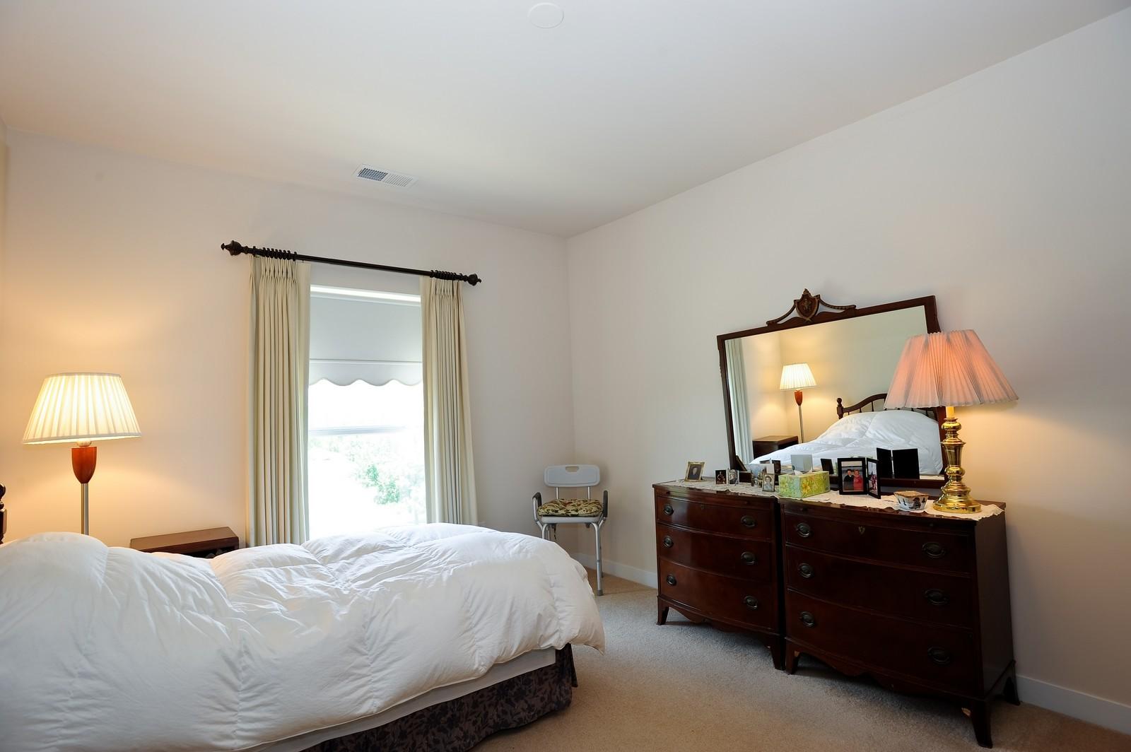 Real Estate Photography - 2692 Stone Circle, 209, Geneva, IL, 60134 - Bathroom