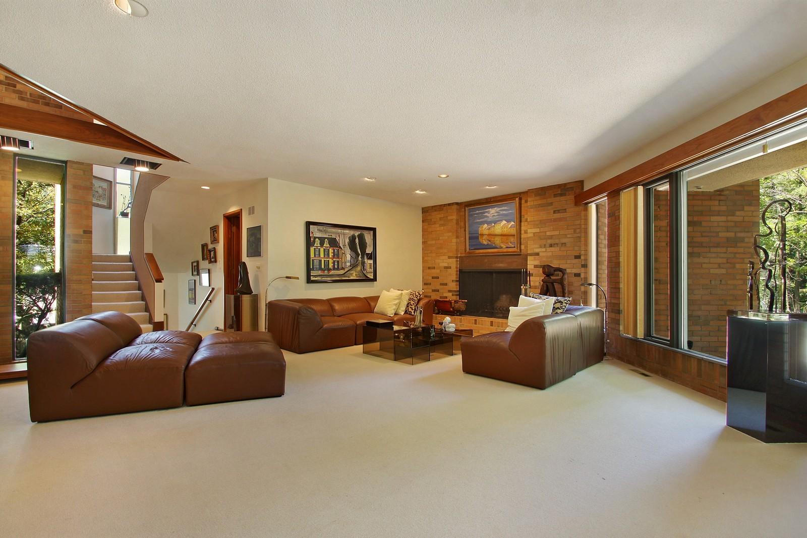 Real Estate Photography - 350 Sunrise Circle, Glencoe, IL, 60022 - Living Room