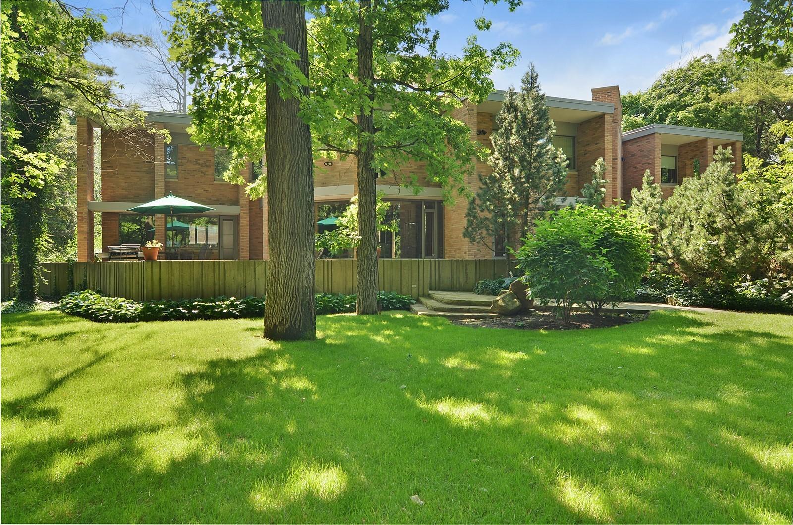 Real Estate Photography - 350 Sunrise Circle, Glencoe, IL, 60022 - Back of home + yard