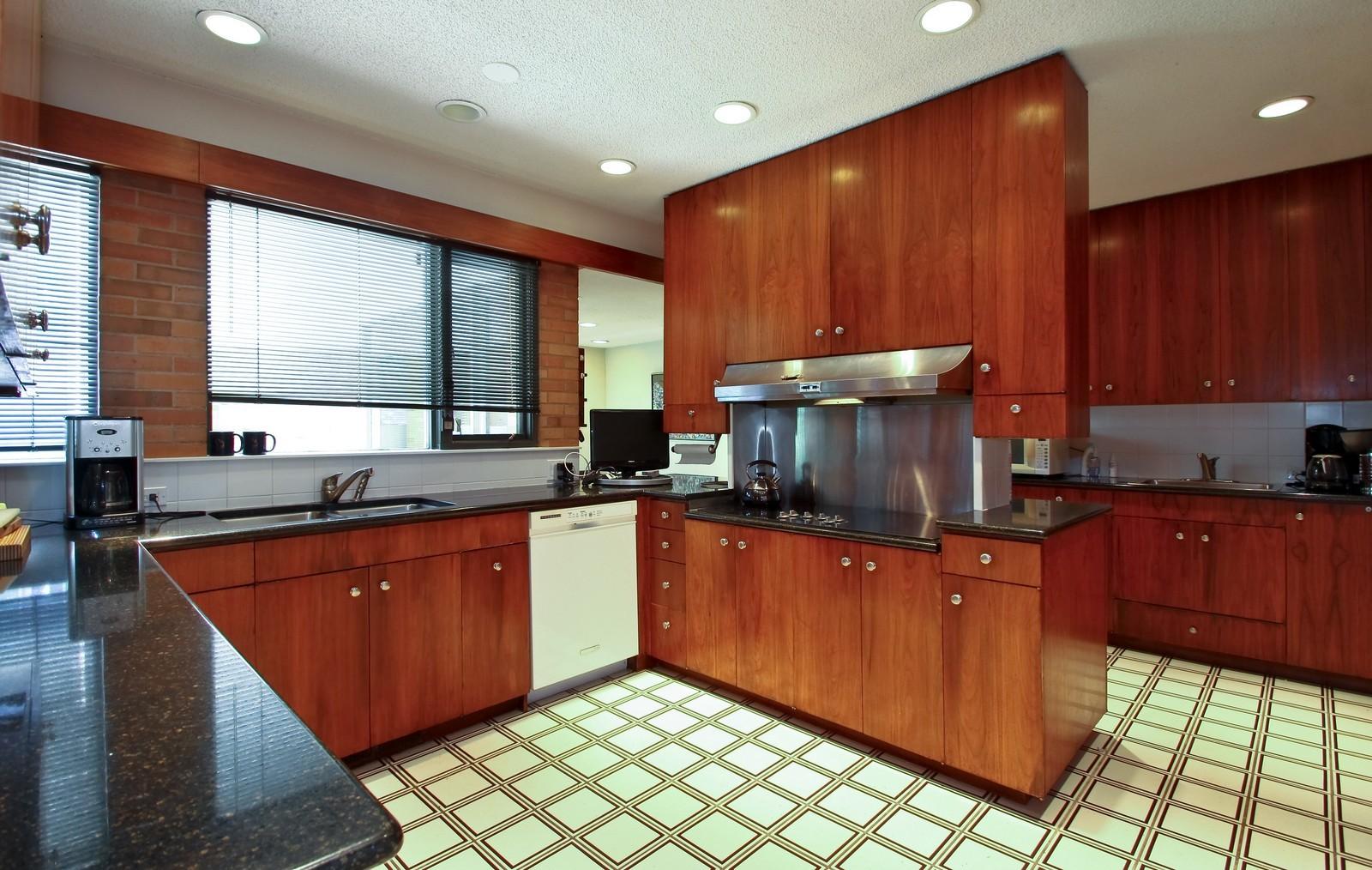 Real Estate Photography - 350 Sunrise Circle, Glencoe, IL, 60022 - Kitchen