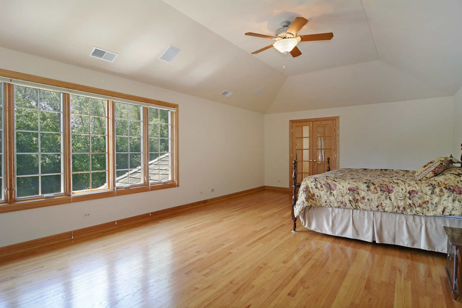 Real Estate Photography - 100 Covington, Oak Brook, IL, 60523 - Master Bedroom