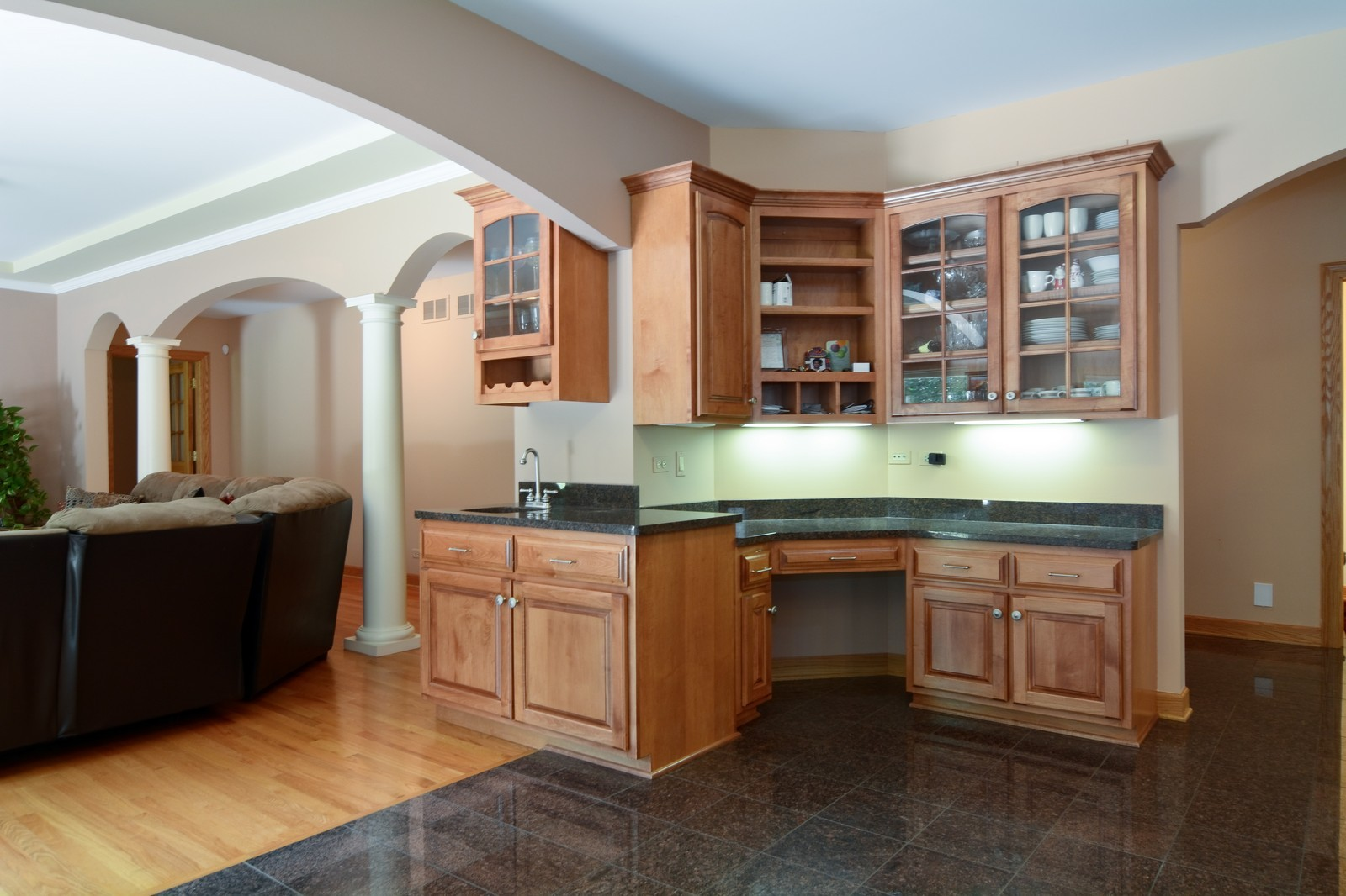 Real Estate Photography - 100 Covington, Oak Brook, IL, 60523 - Kitchen