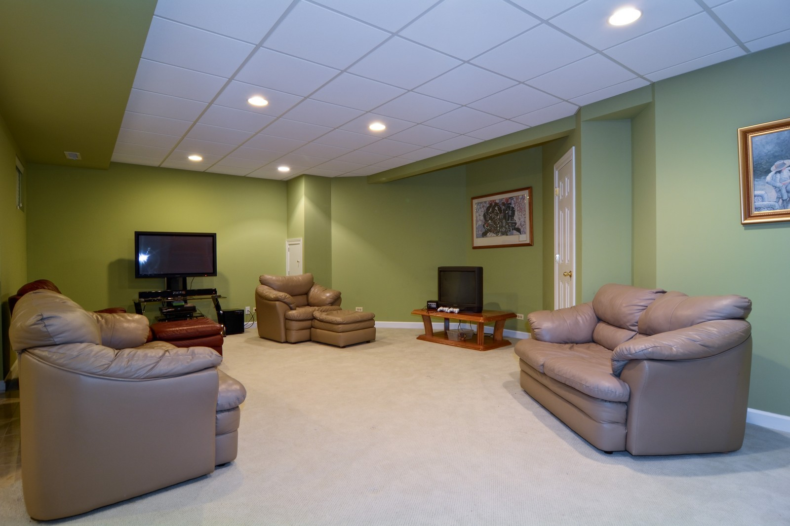 Real Estate Photography - 100 Covington, Oak Brook, IL, 60523 - Recreational Area