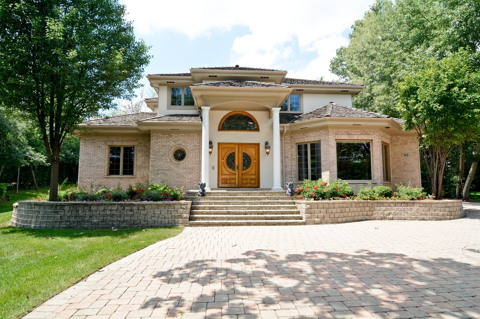 Real Estate Photography - 100 Covington, Oak Brook, IL, 60523 - Front View