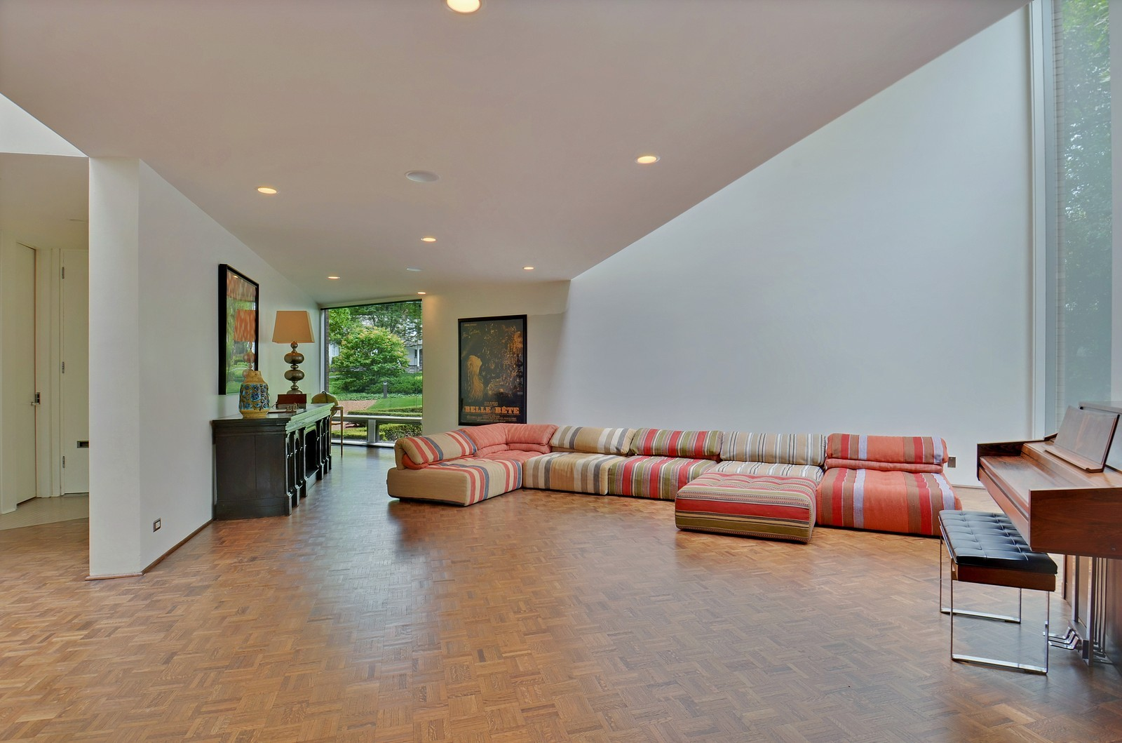Real Estate Photography - 425 Woodside Ave, Hinsdale, IL, 60521 - Living Room