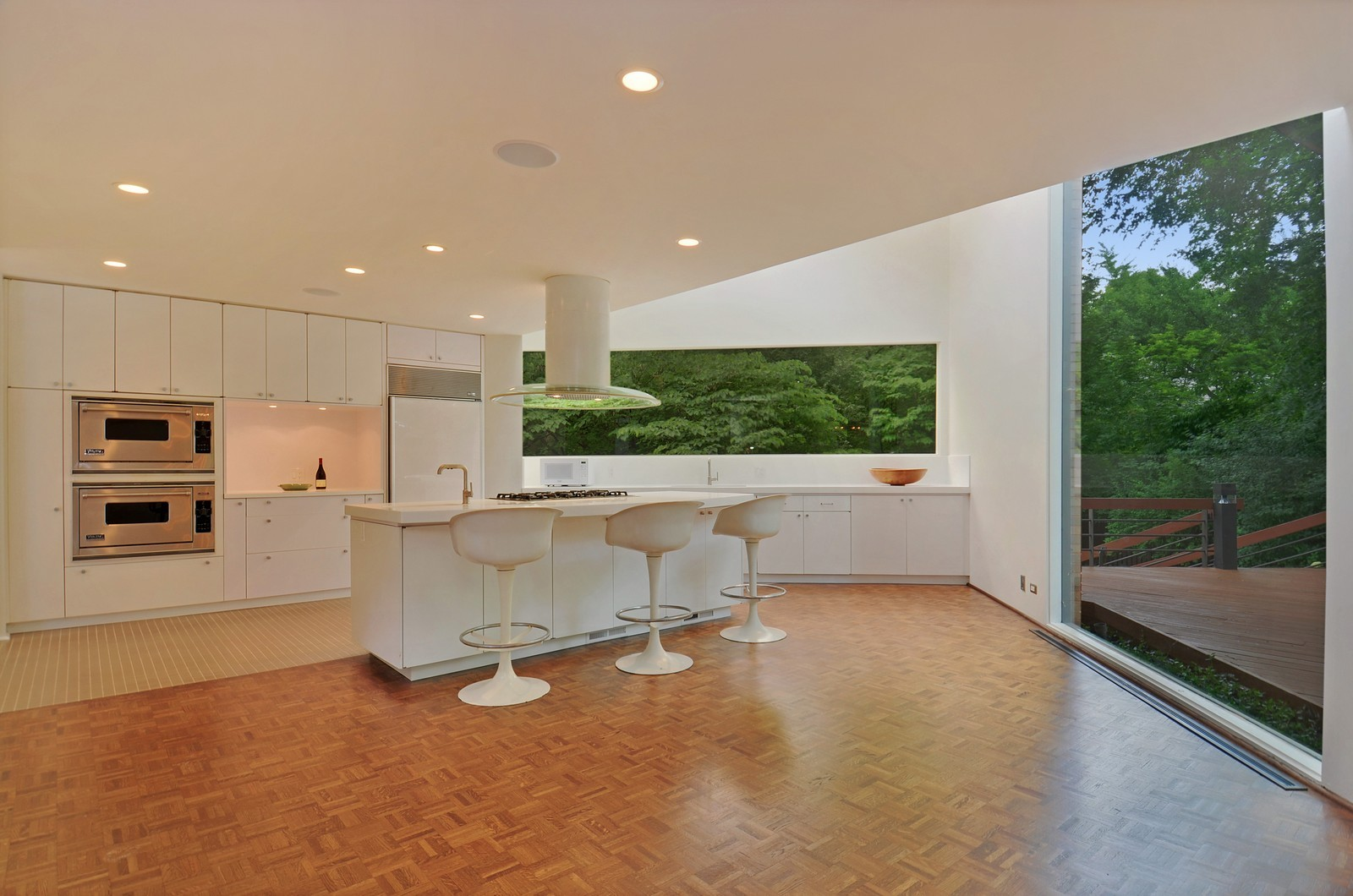 Real Estate Photography - 425 Woodside Ave, Hinsdale, IL, 60521 - Kitchen