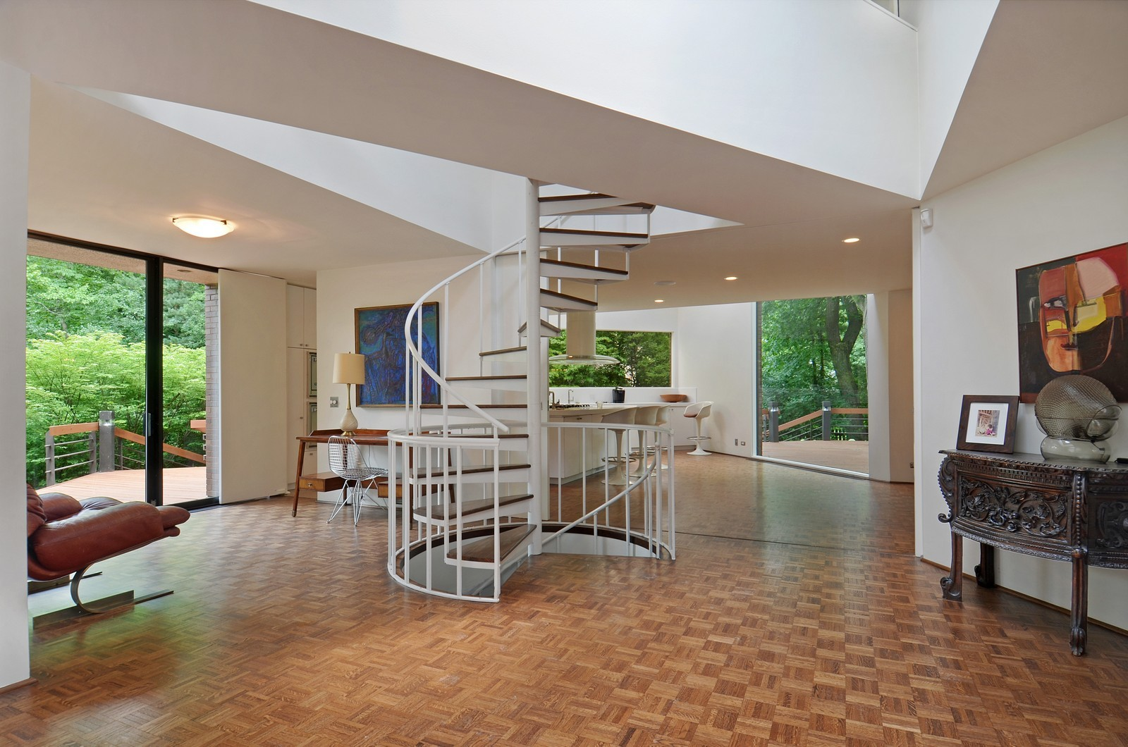 Real Estate Photography - 425 Woodside Ave, Hinsdale, IL, 60521 - Staircase
