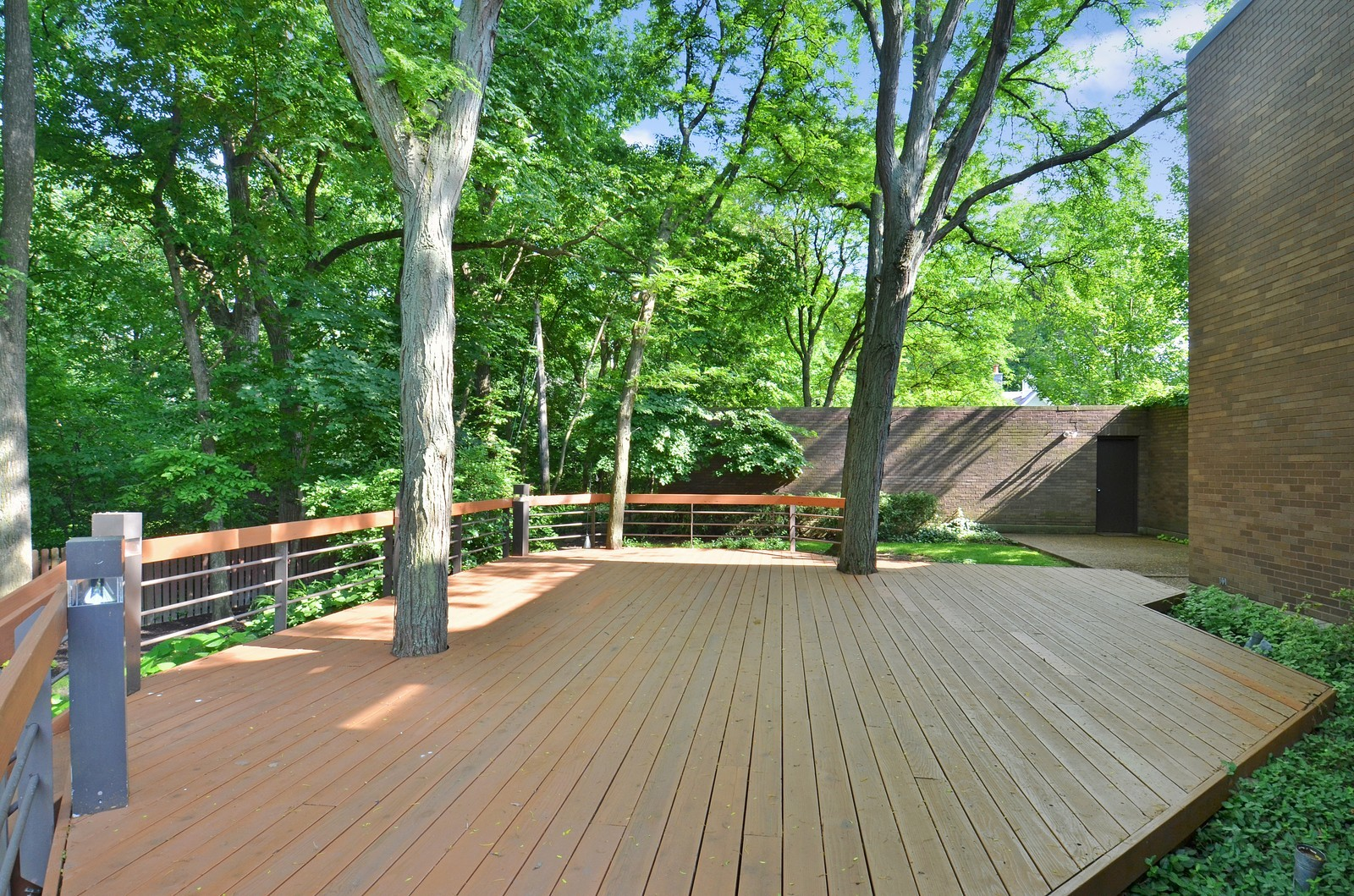 Real Estate Photography - 425 Woodside Ave, Hinsdale, IL, 60521 - Deck