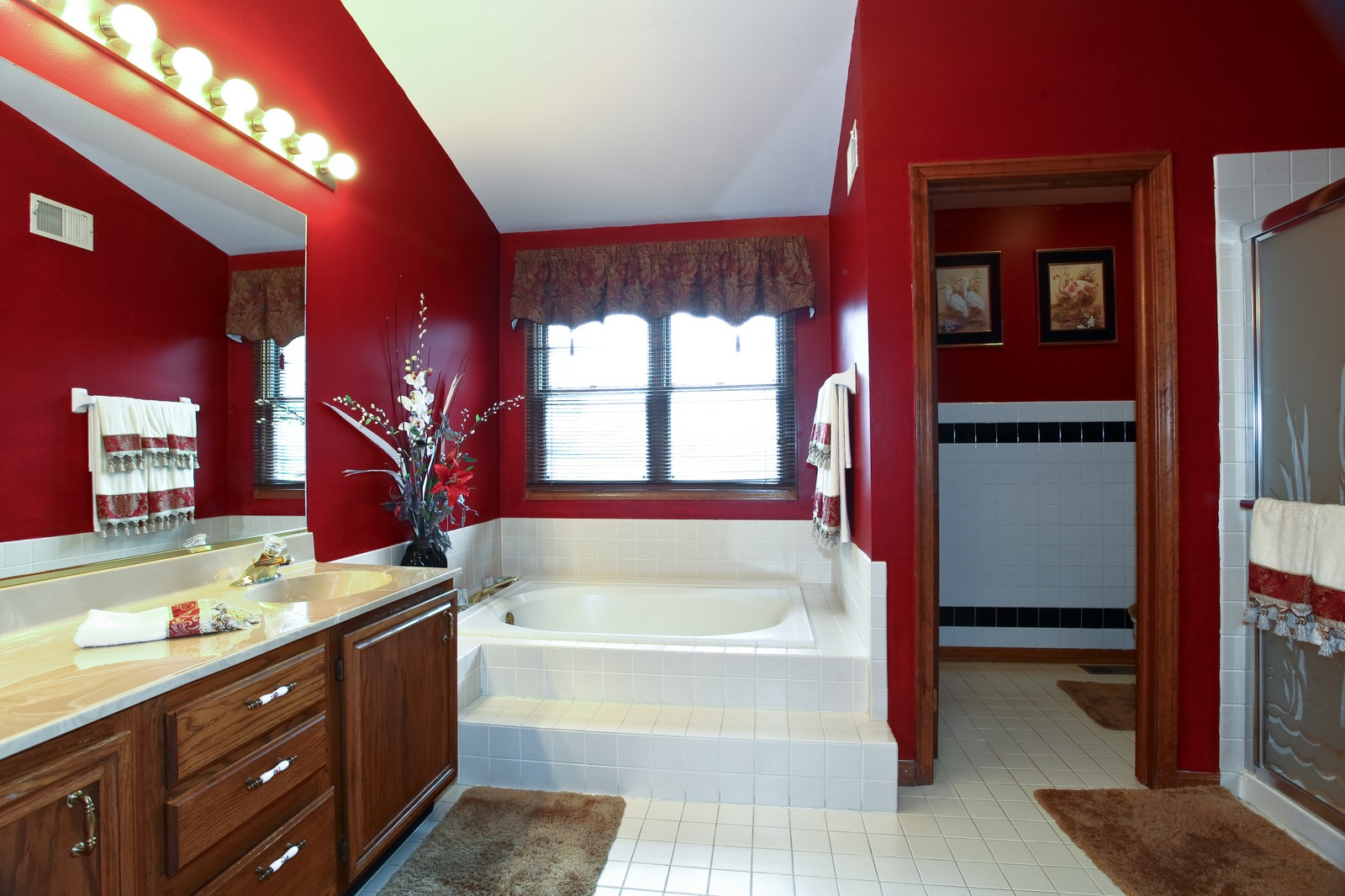Real Estate Photography - 537 Spruce Lane, Lisle, IL, 60532 - Master Bathroom
