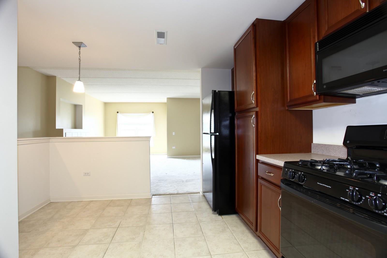 Real Estate Photography - 570 Crescent Blvd., 301, Glen Ellyn, IL, 60137 - Kitchen / Breakfast Room