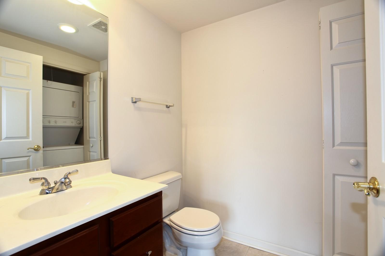 Real Estate Photography - 570 Crescent Blvd., 301, Glen Ellyn, IL, 60137 - Half Bath