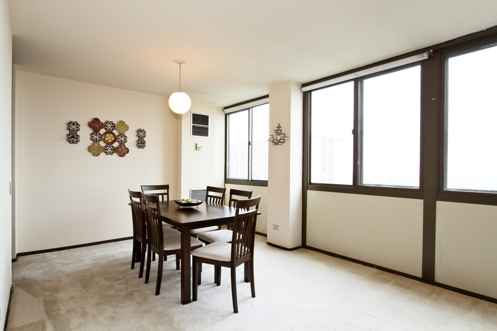 Real Estate Photography - 4800 S Lake Park Ave, Unit 2212, Chicago, IL, 60615 - Dining Room