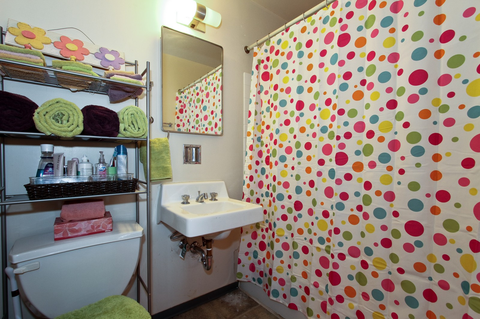 Real Estate Photography - 4800 S Lake Park Ave, Unit 2212, Chicago, IL, 60615 - Bathroom