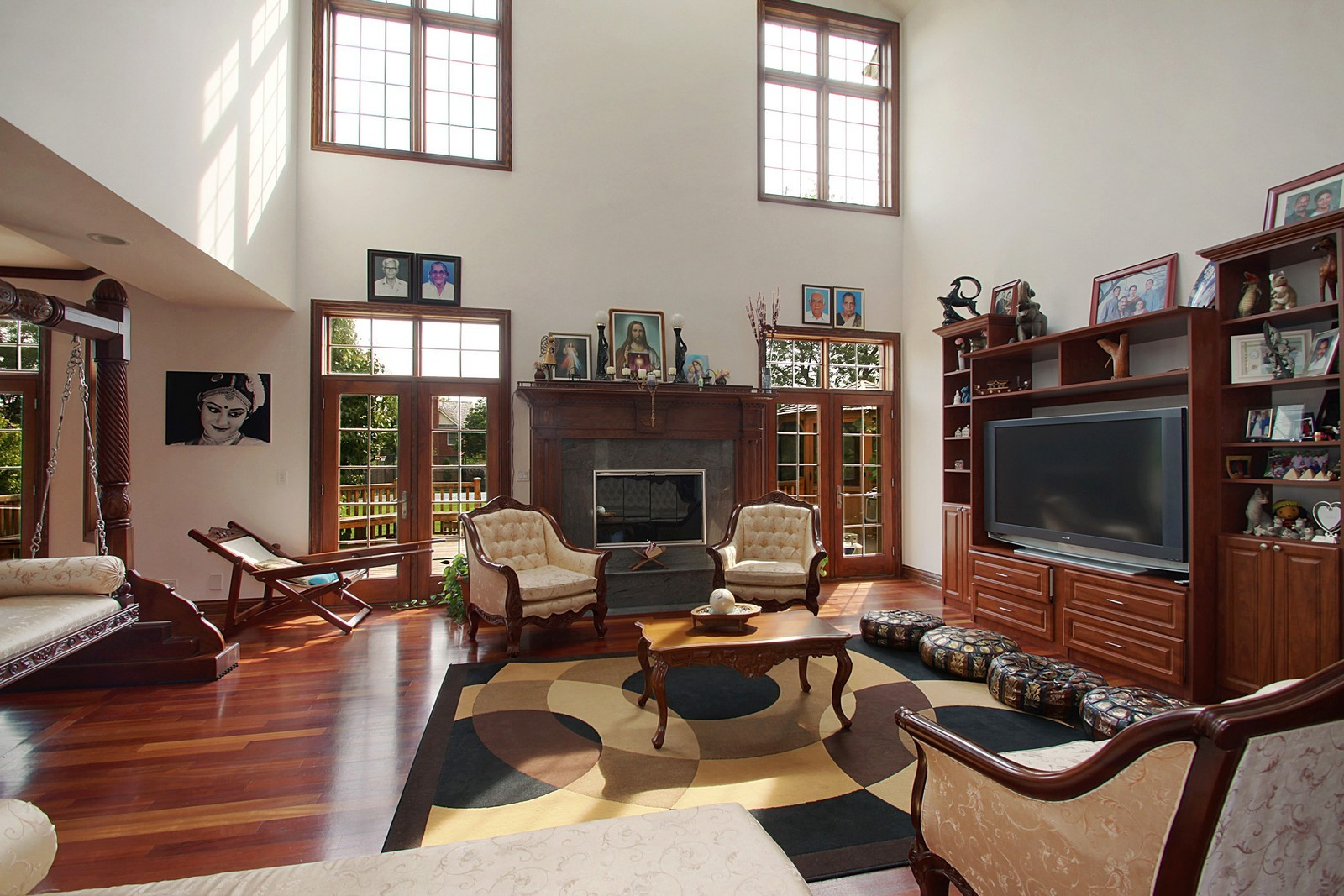 Real Estate Photography - 1641 Pickwick Lane, Glenview, IL, 60026 - Living Room