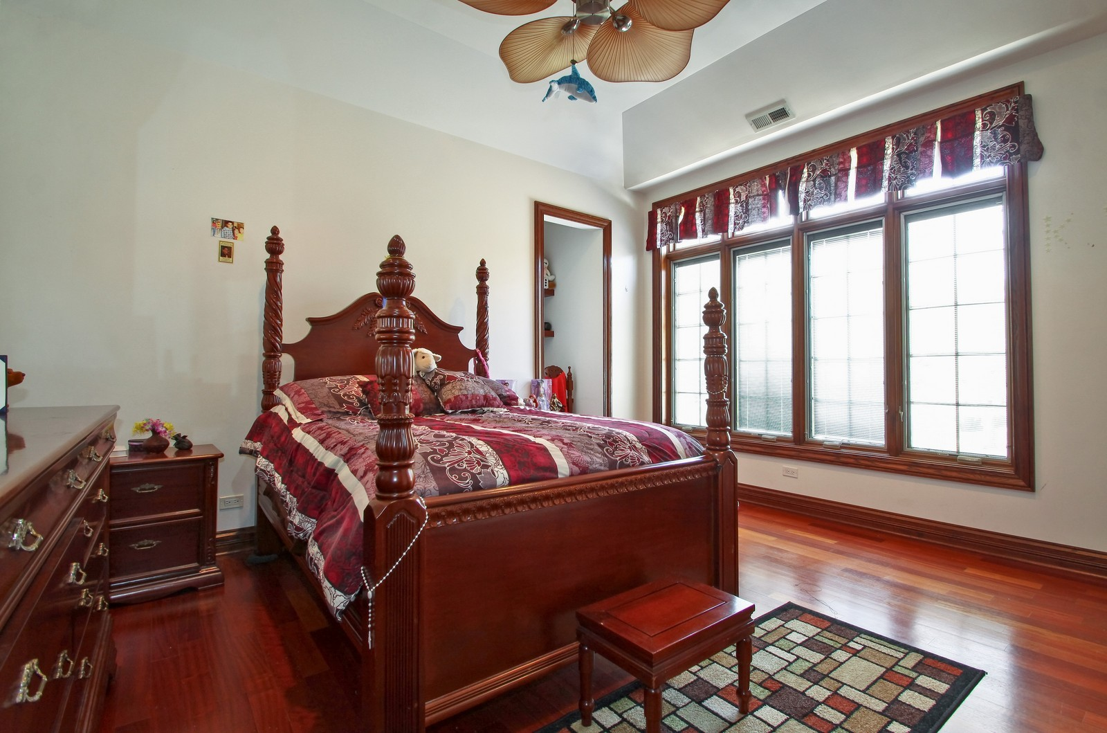 Real Estate Photography - 1641 Pickwick Lane, Glenview, IL, 60026 - 2nd Bedroom